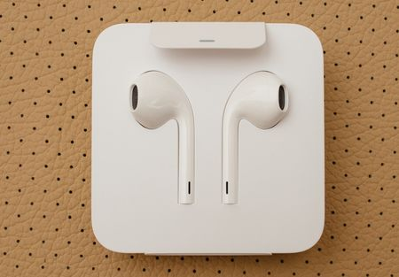 big-apple_wireless_earphones